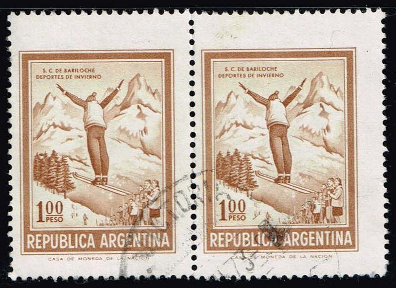 Argentina #938 Ski Jumper; Used Pair (0.50)