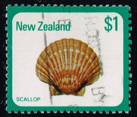 New Zealand #696 Scallop; Used (0.75)