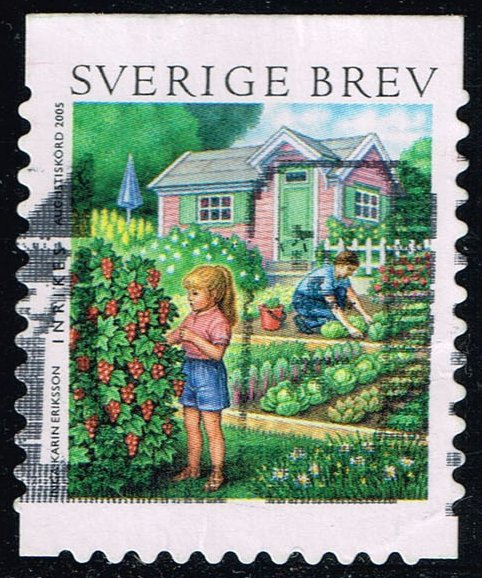 Sweden #2511c Man and Woman Tending Garden; Used (1.50)